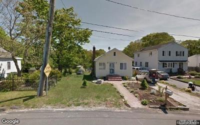 Selden Single Family Home For Sale: 26 Peconic St