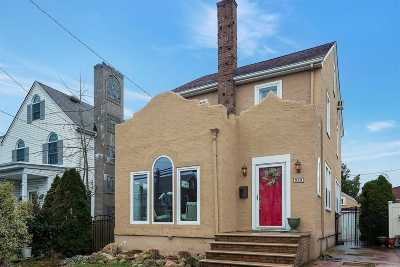 Williston Park Single Family Home For Sale: 525 Marcellus Rd