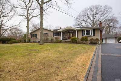 Smithtown Single Family Home For Sale: 24 Croft Ln