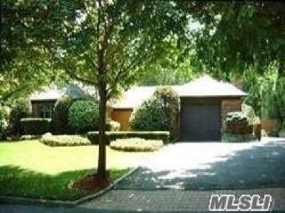 Kings Park Single Family Home For Sale: 14 Willow Ln