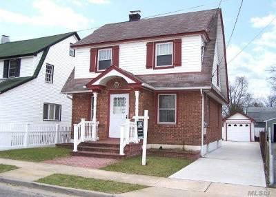 Lynbrook Single Family Home For Sale: 14 Davison Ave