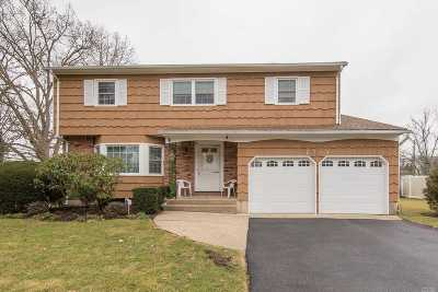 N. Bellmore Single Family Home For Sale: 2784 Genevieve Ct