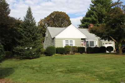 Single Family Home Sold: 19 Crestwood Dr