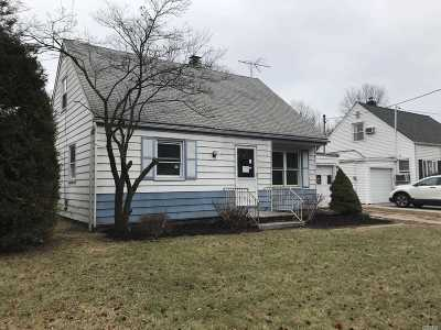Valley Stream Single Family Home For Sale: 39 Brookfield Rd