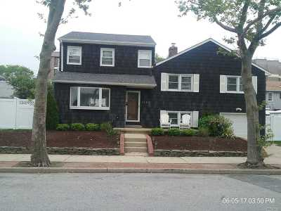 Long Beach NY Single Family Home For Sale: $550,000