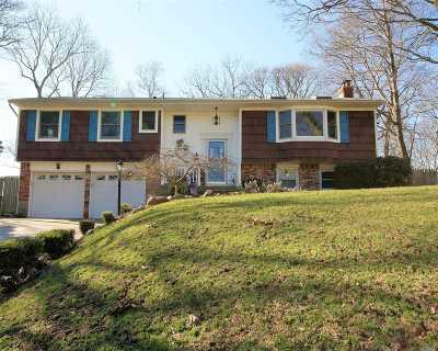 Stony Brook Single Family Home For Sale: 16 Beacon Hill Dr