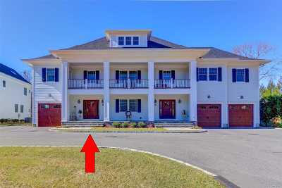 Centerport Condo/Townhouse For Sale: 29 Little Neck Rd