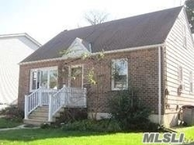 Hewlett Single Family Home For Sale: 1415 Noel Ave