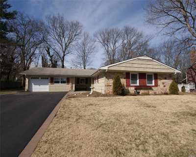 Stony Brook Single Family Home For Sale: 8 Shelbourne Ln