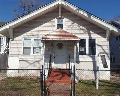 Long Beach NY Single Family Home For Sale: $269,900