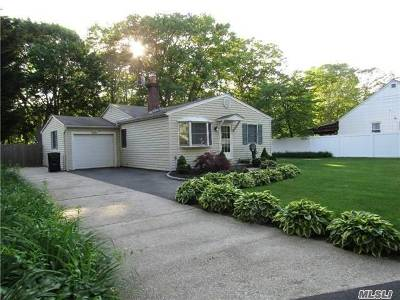West Islip Single Family Home For Sale: 561 Kime Ave
