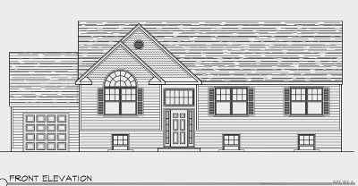 Farmingville Single Family Home For Sale: 50 Oakcrest Ave