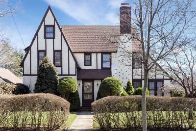W. Hempstead Single Family Home For Sale: 66 Stratford Rd