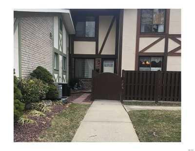 Pt.jefferson Sta Condo/Townhouse For Sale: 126 Glen Hollow Dr