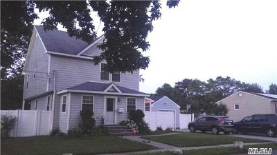 Central Islip Single Family Home For Sale: 38 Peters Blvd