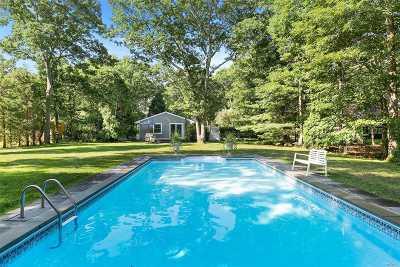 East Hampton Single Family Home For Sale: 19 Manor Ln