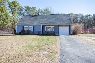 Medford Single Family Home For Sale: 93 White Pine Way