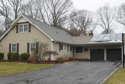 Hauppauge Single Family Home For Sale: 354 Ridgefield Rd