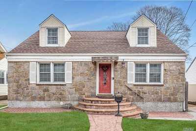 W. Hempstead Single Family Home For Sale: 143 Poplar St