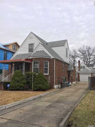 Fresh Meadows Single Family Home For Sale: 58-23 189 St