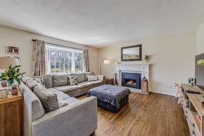 Hampton Bays Single Family Home For Sale: 39 Woodridge