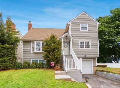 Huntington Single Family Home For Sale: 38 Hillside Ave