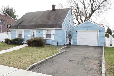 Levittown Single Family Home For Sale: 10 Spring Ln