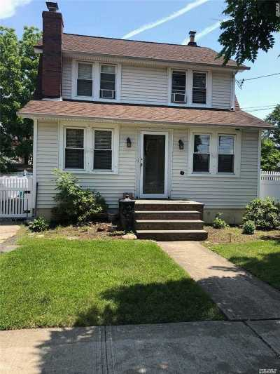 Hicksville Single Family Home For Sale: 15 Harding Ave