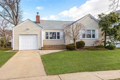 Oceanside Single Family Home For Sale: 3295 Frederick St