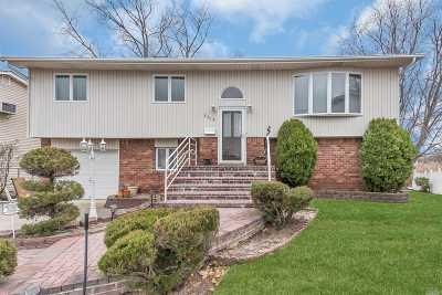 Merrick Single Family Home For Sale: 2314 Jeffrey Ct