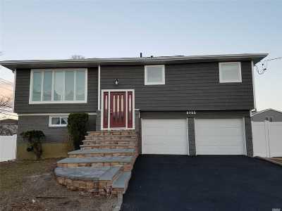 Bellmore Single Family Home For Sale: 2725 Len Dr