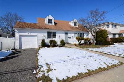 East Meadow Single Family Home For Sale: 77 Rose Dr