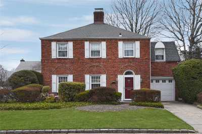 Rockville Centre Single Family Home For Sale: 177 Voorhis Ave