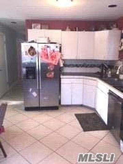 Huntington Single Family Home For Sale: 19 E 4th St