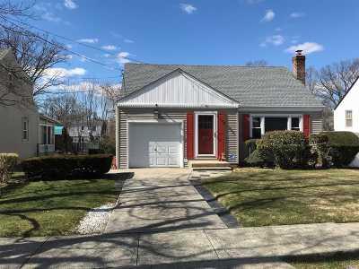 W. Hempstead Single Family Home For Sale: 594 Euclid Ave