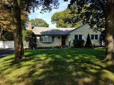 Smithtown Single Family Home For Sale: 1 Clearbrook Dr