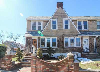 Middle Village Single Family Home For Sale: 65-20 77th St