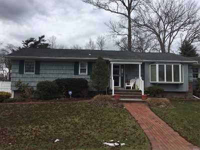 Smithtown Single Family Home For Sale: 33 Florence Ave