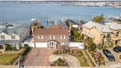 Merrick Single Family Home For Sale: 3328 Hewlett Ave