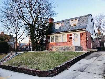 Fresh Meadows Single Family Home For Sale: 75-03 181st St