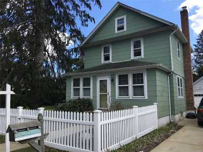 Huntington Sta NY Single Family Home For Sale: $395,000