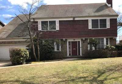 Lawrence Single Family Home For Sale: 3 Lakeside Dr