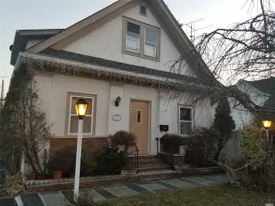 Freeport Multi Family Home For Sale: 31 Archer St