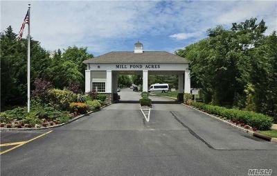 Port Washington Condo/Townhouse For Sale: 66 Miro Pl