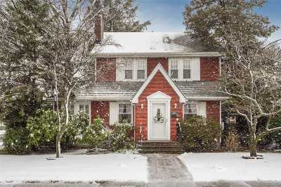 Rockville Centre Single Family Home For Sale: 22 Saint James Plac