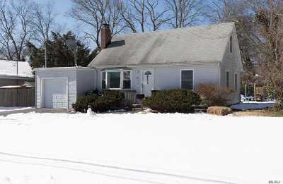 Lake Ronkonkoma Single Family Home For Sale: 12 Laurel Rd