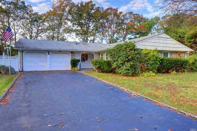 Stony Brook Single Family Home For Sale: 32 Stratton Ln