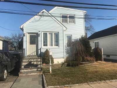 Oceanside Single Family Home For Sale: 2951 Mills St