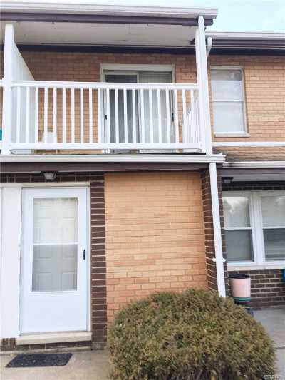 Middle Island Condo/Townhouse For Sale: 167 Artist Lake Dr