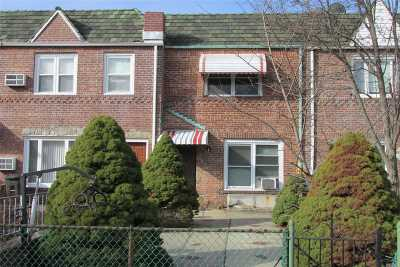 Middle Village Single Family Home For Sale: 62-26 79th St